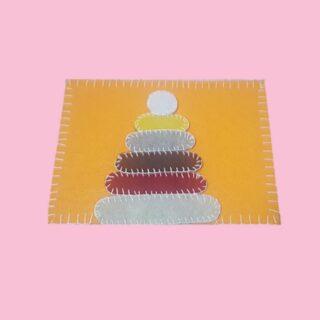 Tavola sensoriale Montessori - Piramide La piramide Montessori comprende una serie di figure di grandezze diverse. Quest'attività aiuta il bambino a concentrarsi sulle dimensioni, dalle più grandi alle più piccole. • 🎥 Guada il video https://www.youtube.com/watch?v=LVXVYCNYZEg 🔗 Visita il sito www.raffaellabilotta.it 👉 Seguimi sulla pagina di facebook 👉 Seguimi sul canale youtube • #montessori #raffaellabilotta #infanzia #giochicreativi #didatticainnovativa #montessoriathome #montessoribaby #montessorikids #educazione #gioco #children #kids #workinprogress #attivitàeducativa #bambini #baby #montessoribaby  #businessinspiration #businesslifestyle #contentstrategy #giococreativo #socialmediabusiness #tipsinstagram #educatrice #mariamontessori