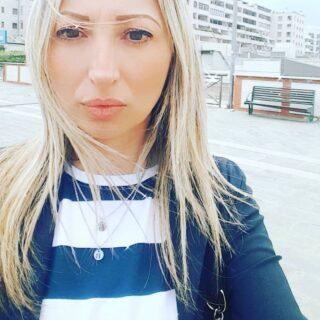 Nel mezzo del cammin di nostra vita mi ritrovai al metropolis ché la diritta via era smarrita. • #centrocommercialemetropolis #rende #raffaellabilotta #centrocommercialedirende #cosenza #calabria #italia #italy #blondehair #blondegirl #negozi